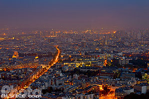 Photo : Paris la nuit (quartier place d'Italie) vue depuis la Tour Montparnasse, Paris (75)
