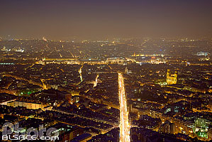 Photo : Paris la nuit (Rue de Rennes et quartier Latin) vue depuis la Tour Montparnasse, Paris (75), Ile-de-France, France