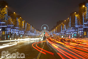 Photo : Illumination de Noël, Avenue des Champs Elysées, Paris (75)