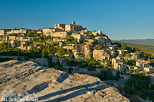 Photo : Vaucluse (84), Parc naturel régional du Luberon, Village de Gordes // FRANCE, Vaucluse (84), Luberon Regional Natural Park, Gordes