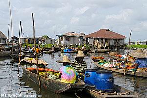 Photo : Marché sur l'eau de Ganvié, Lac Nokoué, So-Ava, Atlantique, Bénin