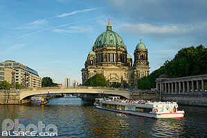 Photo : La Spree et Berliner Dom (Cathédrale de Berlin), Mitte, Berlin, Allemagne
