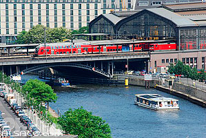 Photo : Grae Friedrichstrasse et la Spree, Berlin, Allemagne