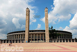 Olympisches Tor (Porte Olympique), Olympiastadion (Stade olympique), Berlin, Allemagne