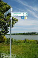 Photo : Itiniéraire cyclable le long du Rhin, Rheinuferstrasse, Worms, Rheinland-Pfalz, Allemagne