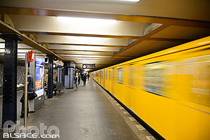 Photo : U-Bahn Senefelderplatz, Prenzlauer Berg, Berlin, Allemagne