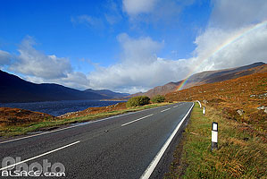 Photo : Route A87 et Loch Cluanie, Highlands, Scotland, United Kingdom