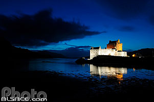 Photo : Eilean Donan Castle et Loch Duich, Dornie, Highlands, Scotland, United Kingdom, Highlands, Scotland