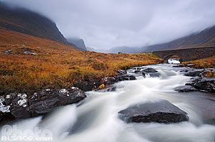 Photo : Russel Burn et pont de la route en direction de Applecross, Wester Ross, Highlands, Scotland, United Kingdom, Highlands, Scotland