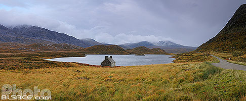 Photo : Loch Stack et Meallan Liath Coire Mhic Dhugaill, North West Sutherland, Highlands, Scotland, United Kingdom