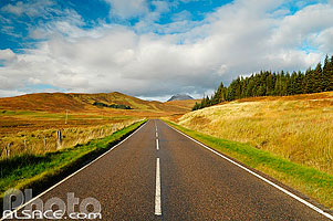 Photo : A837 road et Canisp, North West Sutherland, Highlands, Scotland, United Kingdom