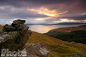 Photo : Sound of Raasay depuis Old Man of Storr, Isle of Skye, Highlands, Scotland, United Kingdom
