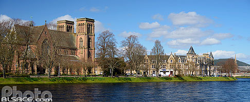 Photo : River Ness et St. Andrew's Cathedral, Inverness, Inverness-shire, Highlands, Scotland, United Kingdom