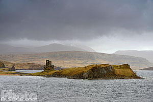 Photo : Loch Assynt et Ardvreck castle, North West Sutherland, Highlands, Scotland, United Kingdom