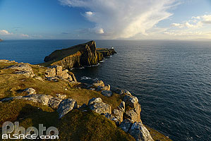 Photo : Neist Point Lighthouse, Isle of Skye, Highlands, Scotland, United Kingdom