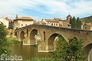 Photo : Puente la Reina, Navarra, Spain
