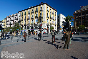 Photo : Plaza Jacinto Benavente, Madrid, España
