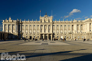 Photo : Palacio Real (Palais Royal), Plaza de la Armería, Madrid, España