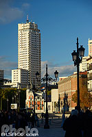 Photo : Torre de Madrid, Plaza de España, Madrid, España