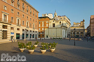 Photo : Piazza di San Silvestro, Rome, Latium, Italie