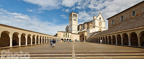 Photo : Basilique Saint-François d'Assise (Basilica di San Francesco), Assise, Ombrie, Italie