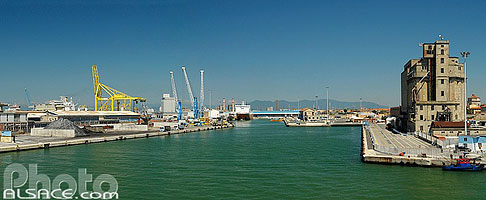Photo : Port de Livourne, Livorno, Toscane, Italie