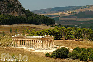 Photo : Temple de Ségeste, Segesta, Sicile, Italie