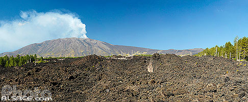 Photo : Coulée de lave et l'Etna, Sicile, Italie