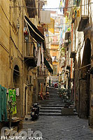 Photo : Rue du centre de Naples, Napoli, Campanie, Italie