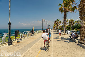 Photo : Avenue de Paris, Corniche de Beyrouth, Dar Mreisse, Beyrouth, Liban