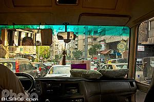 Dans un bus de la ligne n°5, Rue de l'Indépendance, Moussaitbé, Sanayeh, Beyrouth, Liban, Beyrouth, Liban