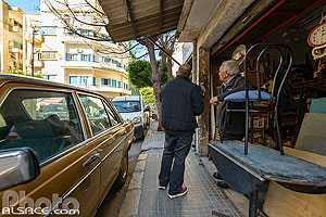 Photo : Marchand de meubles dans Hamra, Rue Ibrahim Abdul Aal, Ras Beyrouth, Beyrouth, Liban