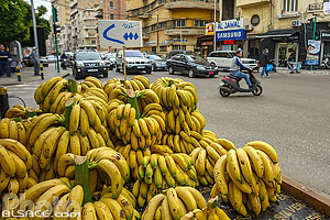 Photo : Vendeur de bananes, Rue El Rachidine, Moussaitbé, Beyrouth, Liban