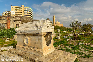 Photo : Tombeau sur le Site d'Al Mina, Ville antique de Tyr, Tyr (Sour), Liban-Sud, Liban