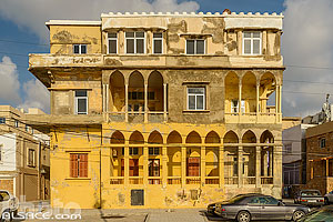 Photo : Maison traditionnelle en bord de mer à Tyr, Tyr (Sour), Liban-Sud, Liban