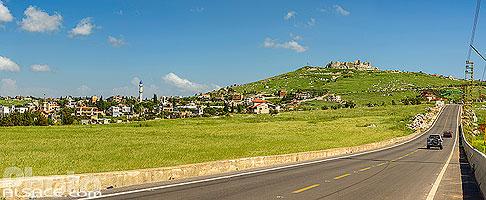 Route en direction de la Forteresse de Beaufort et vue sur le château, Arnoun, Nabatieh, Liban, Nabatieh, Liban