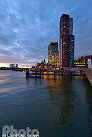 Photo : World Port Center, Hôtel New York et Montevideo, Wilhelminapier, Rotterdam, Zuid-Holland, Pays-Bas