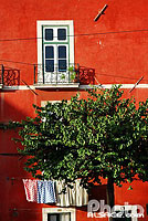 Photo : Façade de maison, Largo das portas do Sol, Quartier de l'Alfama, Lisboa, Portugal, , Portugal
