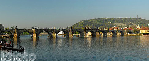 Photo : Le Pont Charles (Karluv most) et la Vltava, Staré Mesto, Prague, République tchèque