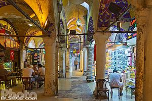 Grand bazar d'Istanbul (Kapali çarsi) l'un des plus grands bazars au monde, Quartier d'Eminönü, Fatih, Istanbul, Turquie, Marmara Bölgesi, Turquie