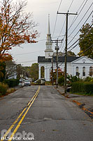 Photo : Rue de Mystic et Union Baptist Church, Mystic, Stonington, Connecticut, Etats-Unis