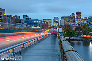 Photo : Longfellow Bridge et Boston la nuit, Boston, Massachusetts, Etats-Unis