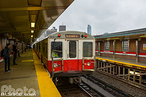 Photo : Station de métro Charles/MG (Red Line), Boston, Massachusetts, Etats-Unis