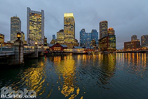 Boston Waterfront la nuit, Boston, Massachusetts, Etats-Unis