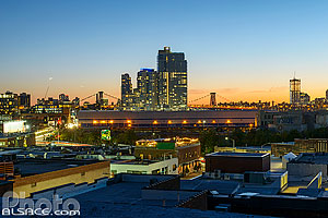 Photo : Quartier de Greenpoint la nuit, Brooklyn, New York, Etats-Unis