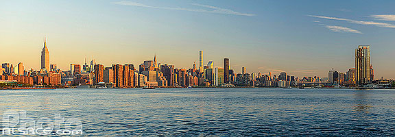 Photo : East-River et Manhattan vue depuis Williamsburg, Brooklyn, New York, Etats-Unis, New York, Etats-Unis