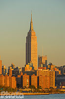 Photo : L'Empire State Building et Manhattan vue depuis Williamsburg, Brooklyn, New York, Etats-Unis