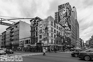 Photo : Carrefour Canal Street et Lafayette Street, Manhattan, New York, Etats-Unis