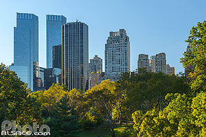 Photo : Gratte-ciel vue depuis Central Park, Manhattan, New York, Etats-Unis