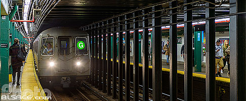 Photo : Station de métro Greenpoint Avenue, Greenpoint, Brooklyn, New York, Etats-Unis